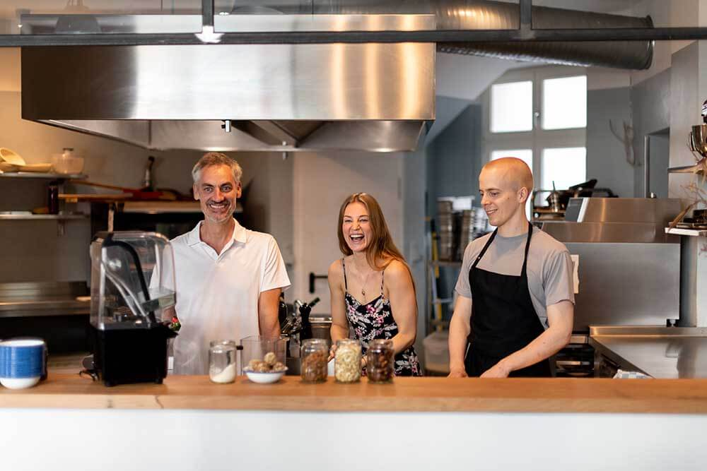 Founder Paul Wollersheim from bianco di puro, founder Jasmin Suchy and chef Halfdan Kluften from FREA